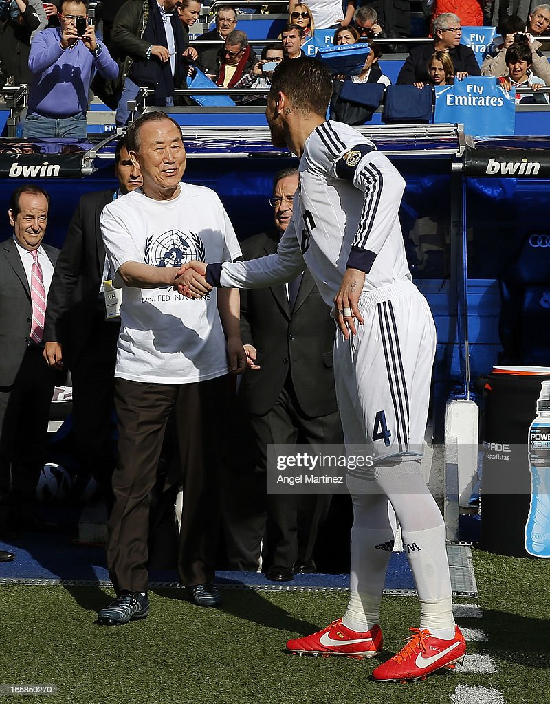 Sergio Ramos (R) of Real Madrid shakes hands with United Nations Secretary-General Ban Ki-Moon before the La Liga match between Real Madrid and Levante at Estadio Santiago Bernabeu on April 6, 2013 in Madrid, Spain.