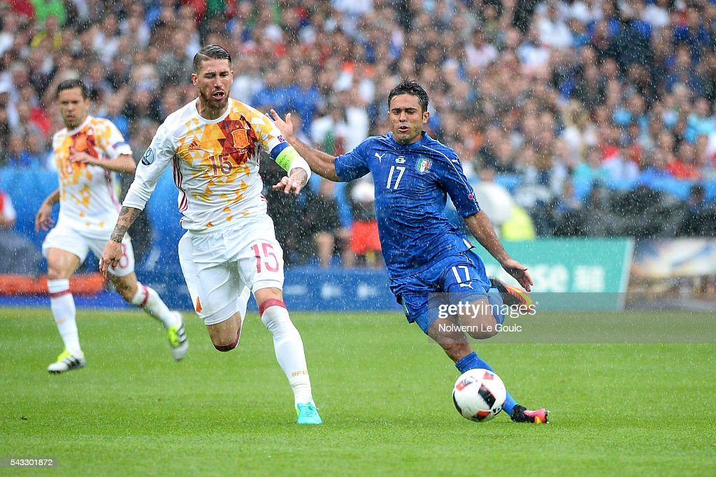 Sergio Ramos of Spain and Eder of Italy during the European Championship match Round of 16 between Italy and Spain at Stade de France on June 27, 2016 in Paris, France.