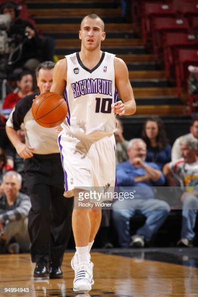 http://media.gettyimages.com/photos/sergio-rodriguez-of-the-sacramento-kings-moves-the-ball-up-court-the-picture-id94994943?s=594x594