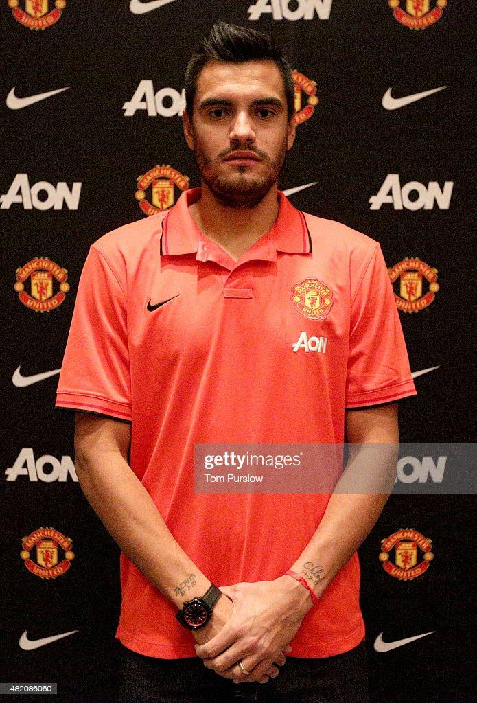 Manchester United Announce Signing of Goalkeeper Sergio Romero