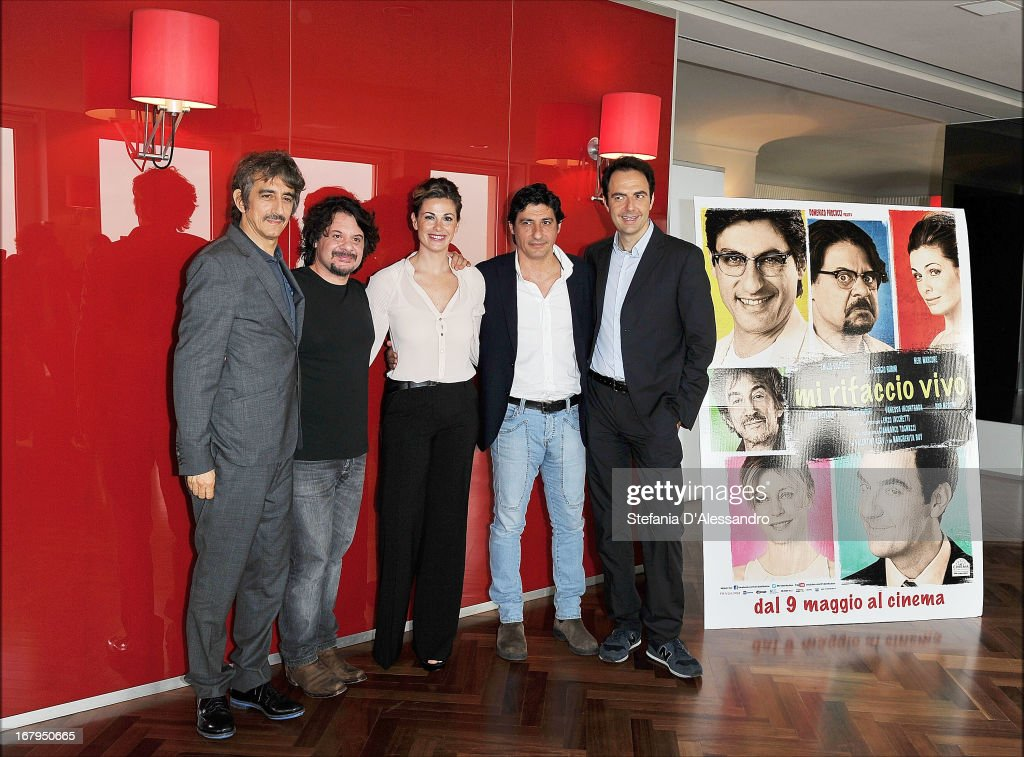 <a gi-track='captionPersonalityLinkClicked' href=/galleries/search?phrase=Sergio+Rubini&family=editorial&specificpeople=4110489 ng-click='$event.stopPropagation()'>Sergio Rubini</a>, Lillo Petrolo, <a gi-track='captionPersonalityLinkClicked' href=/galleries/search?phrase=Vanessa+Incontrada&family=editorial&specificpeople=3275949 ng-click='$event.stopPropagation()'>Vanessa Incontrada</a>, Emilio Solfrizzi and Neri Marcore attend a photocall for 'Mi Rifaccio Vivo' on May 3, 2013 in Milan, Italy.