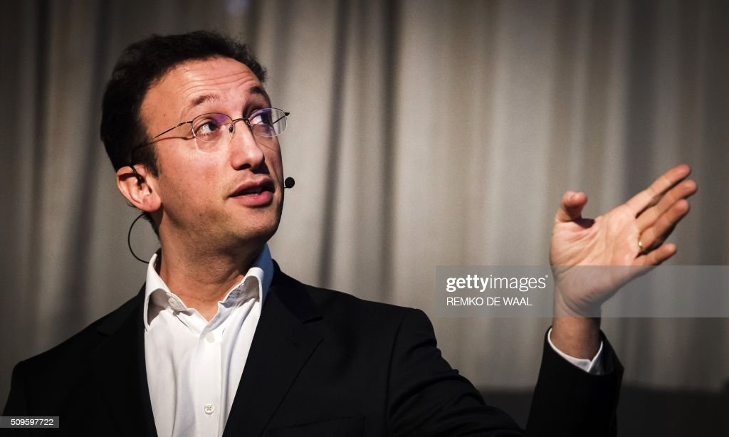 Serial digital entrepreneur James Bilefield speaks during a lecture on disruption in Amsterdam, on February 11, 2016. / AFP / ANP / REMKO DE WAAL / Netherlands OUT