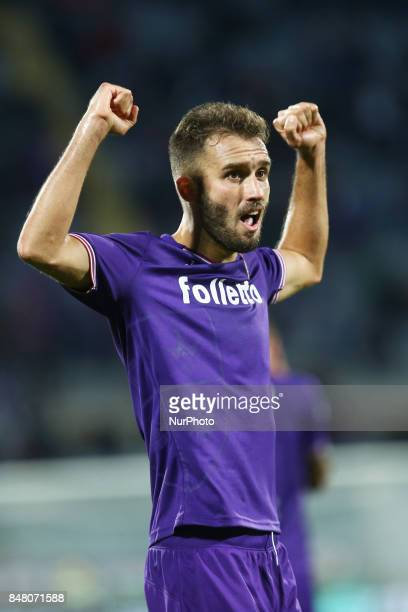 Serie A Fiorentina v Bologna German Pezzella of Fiorentina celebration after the decisive goal of 21 at Artemio Franchi Stadium in Florence Italy on...