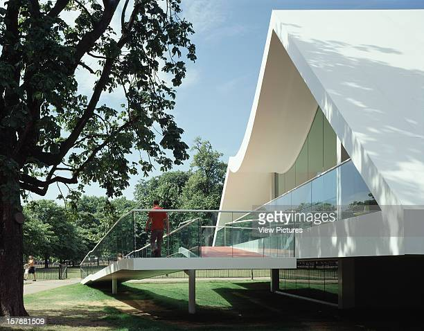 Serpentine Gallery Summer Pavilion 2003 London United Kingdom Architect Oscar Niemeyer Serpentine Gallery Pavilion Tree And Ramp To Entrance
