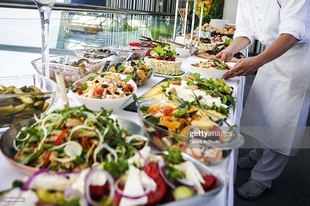 Serving buffet