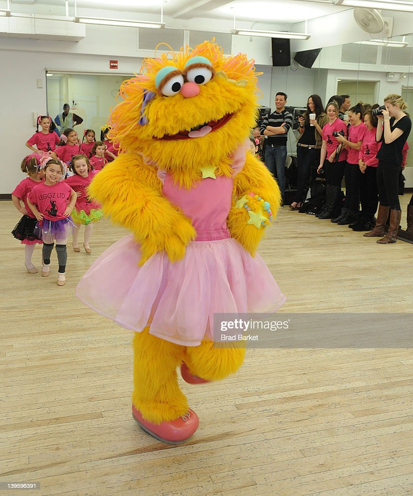 Sesame Street 39 S Zoe Visits The Broadway Dance Center Getty Images