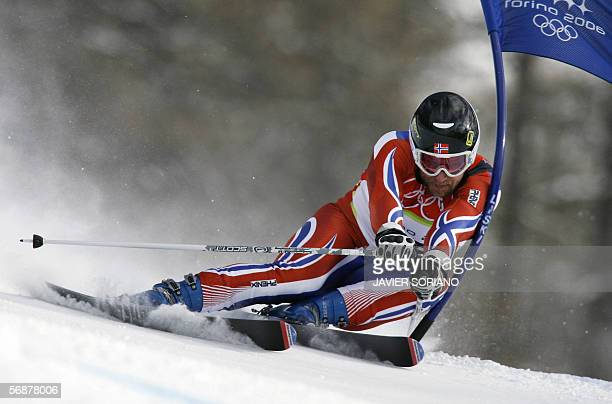 Kjetil Andre Aamodt from Norway speeds down the course 18 February 2006 during the Men's SuperG in Sestriere Borgota Italy Aamodt clocked 13065 to...
