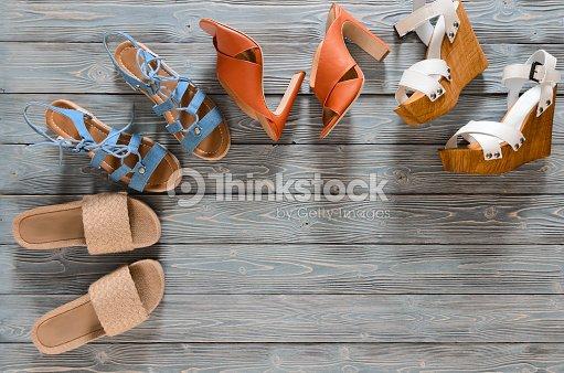 Satz Von Damenschuhe Auf Grauem Hintergrund Aus Holz Frühjahr