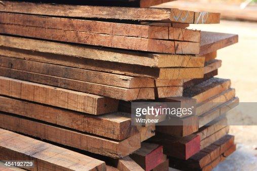 Juego de madera de madera de pino para edificio en construcción : Foto de stock