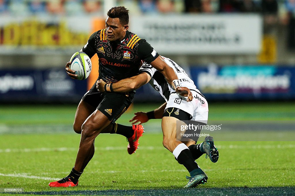 <a gi-track='captionPersonalityLinkClicked' href=/galleries/search?phrase=Seta+Tamanivalu&family=editorial&specificpeople=9743583 ng-click='$event.stopPropagation()'>Seta Tamanivalu</a> of the Chiefs is tackled by Paul Jordaan of the Sharks during the round 10 Super Rugby match between the Chiefs and the Sharks at Yarrow Stadium on April 29, 2016 in New Plymouth, New Zealand.