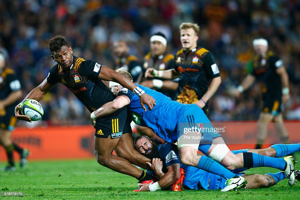 Seta Tamanivalu of the Chiefs is tackled during the round seven Super Rugby match between the Chiefs and the Blues on April 8, 2016 in Hamilton, New Zealand.