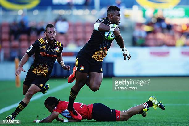 Seta Tamanivalu of the Chiefs makes a break during the round two Super Rugby match between the Chiefs and the Lions at FMG Stadium on March 5 2016 in...