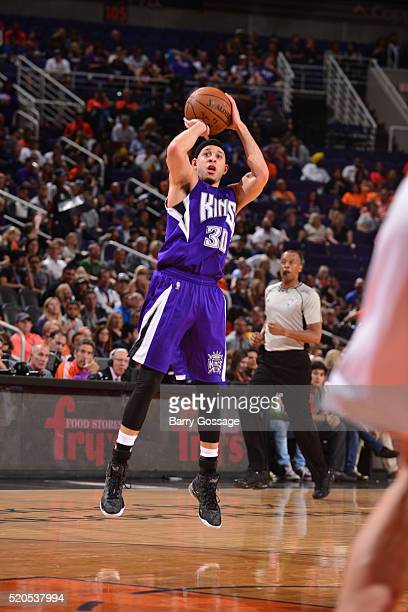 Seth Curry of the Sacramento Kings shoots against the Phoenix Suns on April 11 2016 at Talking Stick Resort Arena in Phoenix Arizona NOTE TO USER...
