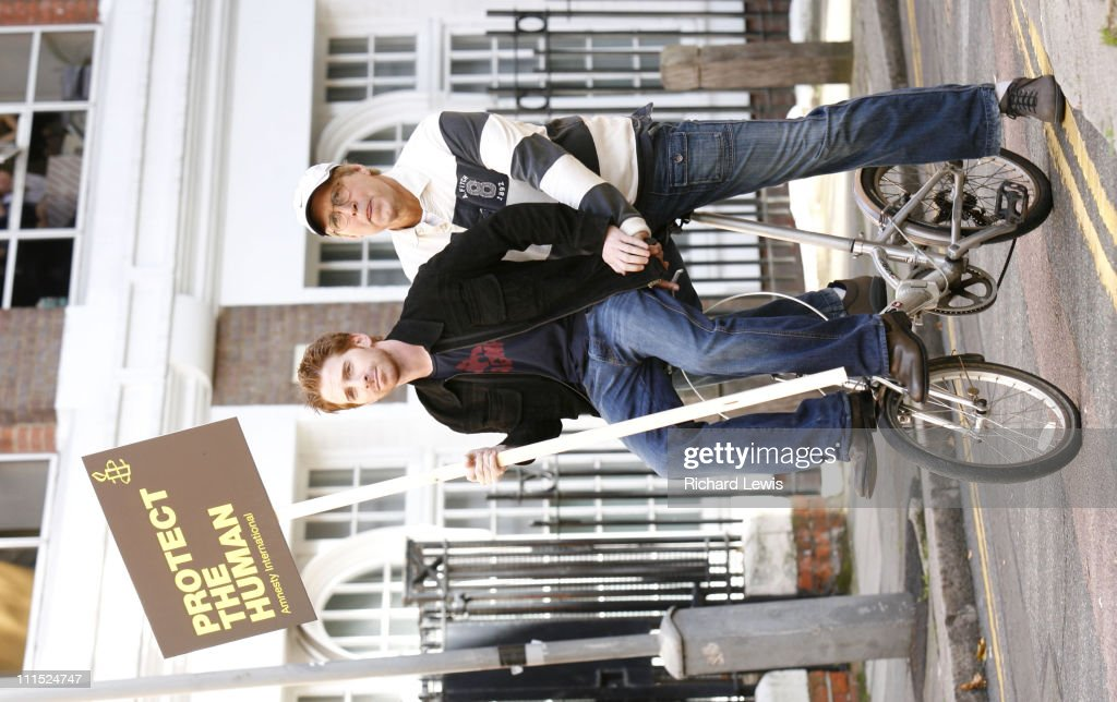 Seth Green and Chevy Chase during Amnesty International's 'The Secret Policeman's Ball' Press Conference at The Drill Hall in London Great Britain