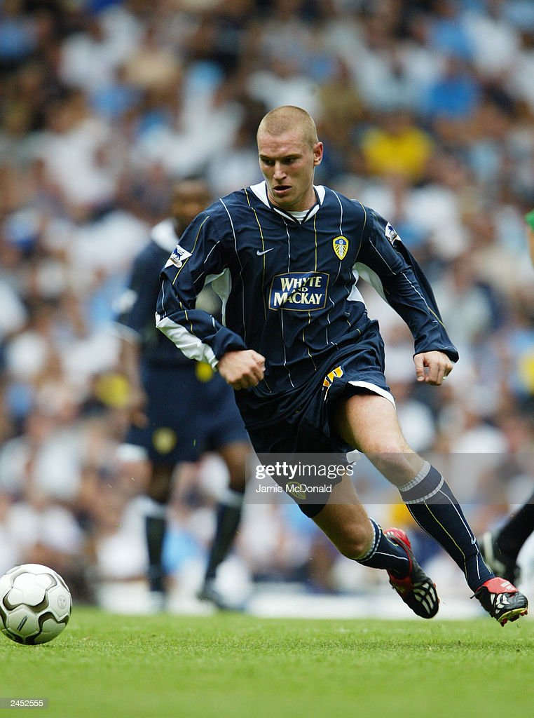 Seth Johnson of Leeds United runs with the ball during the FA Barclaycard Premiership match between Tottenham Hotspur and Leeds United held on August 23, 2003, at White Hart Lane, in London. Tottenham Hotspur won the match 2-1.
