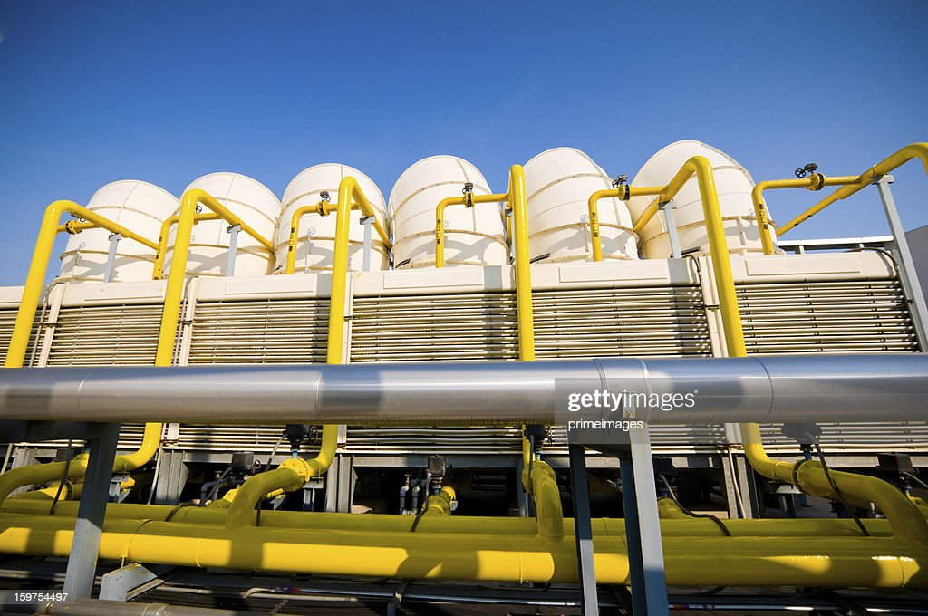 Sets of cooling towers in conditioning systems : Stockfoto