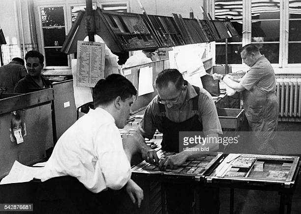 Setzer beim Umbruch 1963Setzerei Druckhaus Tempelhof