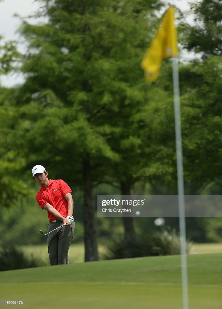 Seung-Yul Noh putts on the 1st during the Final Round of the Zurich Classic of New Orleans at TPC Louisiana on April 27, 2014 in Avondale, Louisiana.