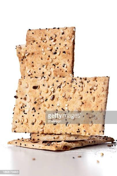 Sieben Getreide-Chips und Fladenbrot