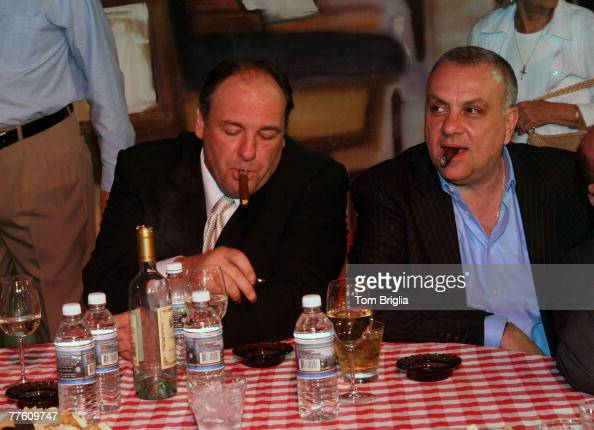 Seven members of the Sopranos cast got together at the Atlantic City Hilton and Resorts Casinos in Atlantic City for a MeetnGreet and tell all Q A...