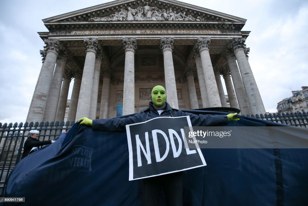 Action in Paris against the Climat-Finance summit