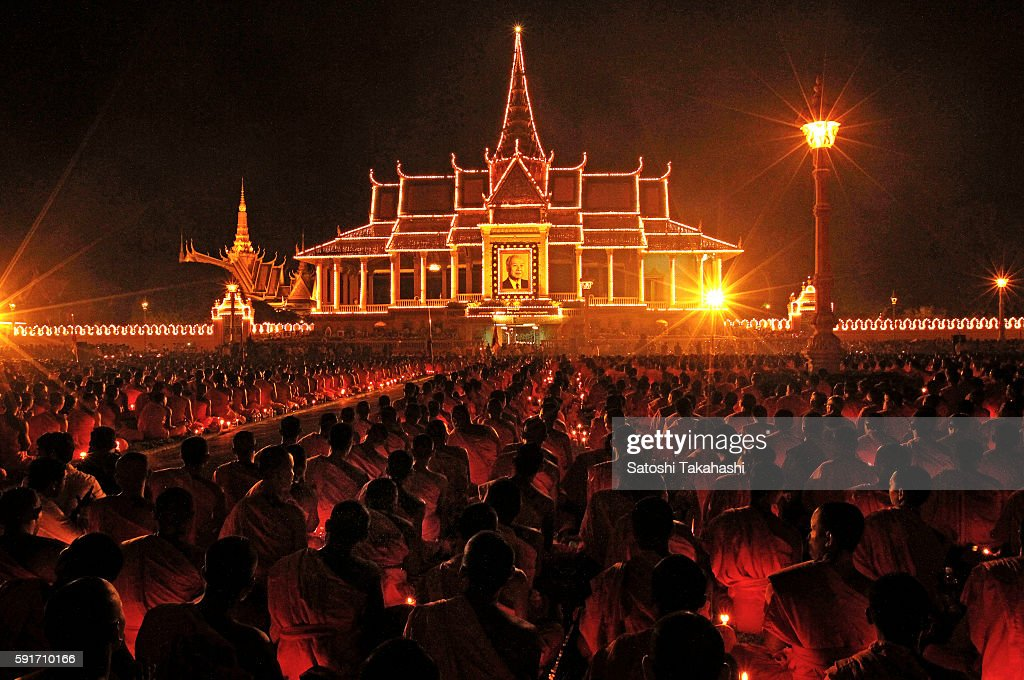 Several thousand monks pay their respects to King father Norodom Sihanouk in front of the royal palace at night of the next day of the memorial...