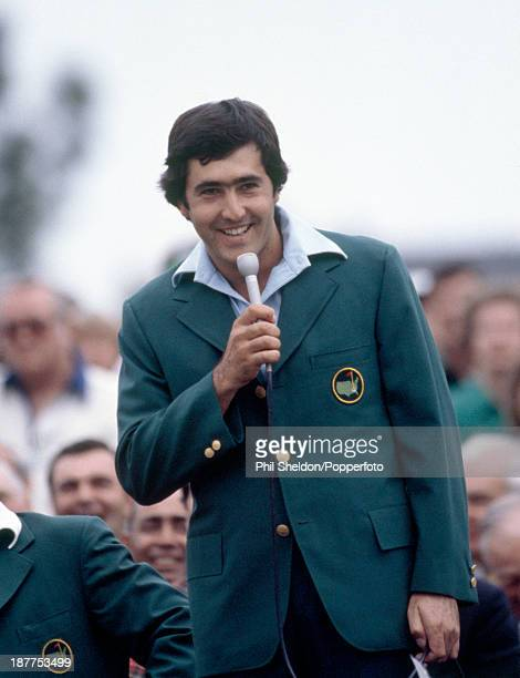 Severiano Ballesteros of Spain talks to the crowd during the presentation ceremony after winning the US Masters Golf Tournament held at the Augusta...