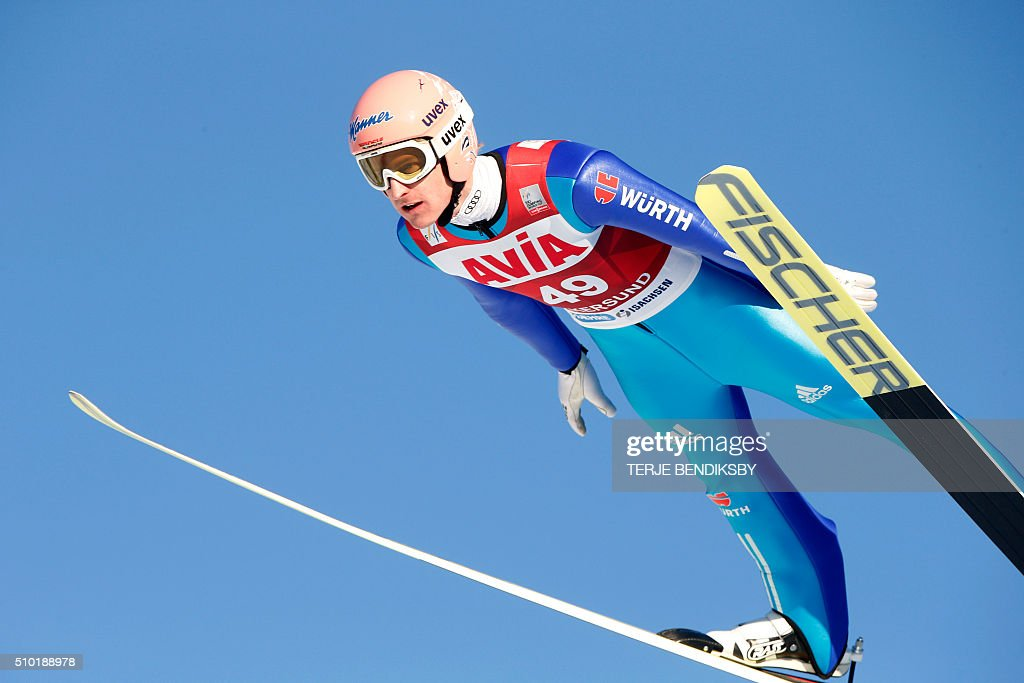 Severin Freund from Germany soars through the air during the qalification for the FIS Ski Jumping World Cup Flying Hill competition in Vikersund, February 14, 2016. / AFP / NTB Scanpix / Terje Bendiksby / Norway OUT