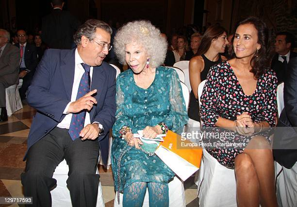 Sevilla Major Ignacio Zoido Duchess of Alba Cayetana FitzJames Stuart and Carmen Tello attend 2011 Naciones Festival Awards at Reales Alcazares on...