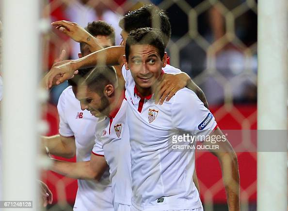 FBL-ESP-LIGA-SEVILLA-GRANADA : News Photo