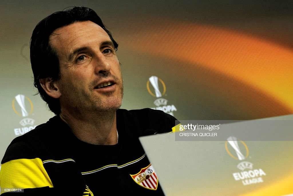 Sevilla's coach Unai Emery speaks during a press conference on May 4, 2016 on the eve of the UEFA Europa League semi-final second leg football match Sevilla FC vs Shakhtar Donetsk at the Ciudad Deportiva in Sevilla. / AFP / CRISTINA