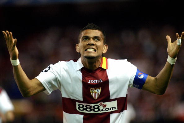 Sevilla's Daniel Alves celebrates after : News Photo