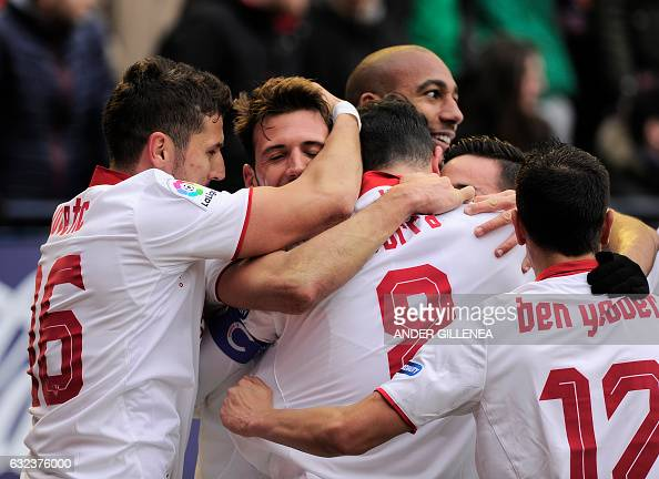 FBL-ESP-LIGA-OSASUNA-SEVILLA : News Photo