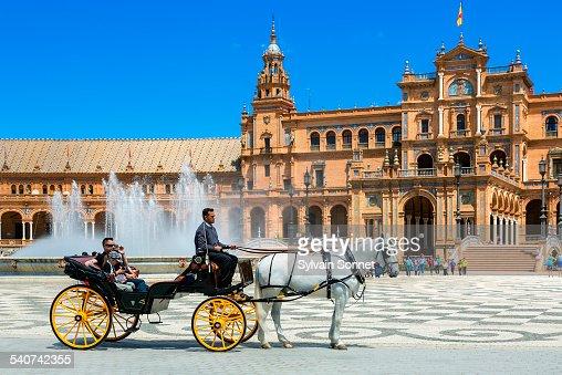 Seville, carriage in Plaza de Espana