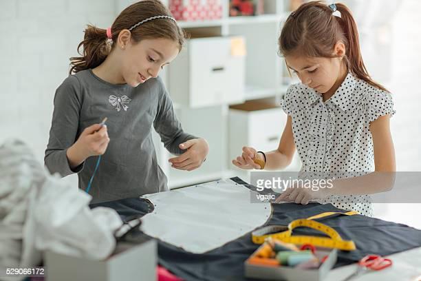 Clase de costura para los niños.