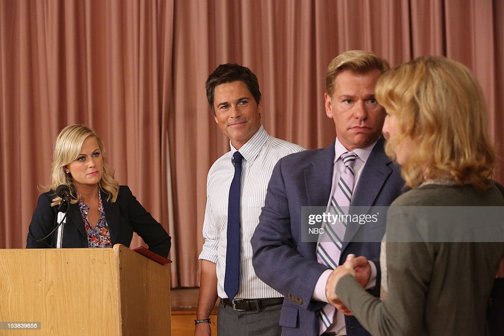 RECREATION -- 'Sex Education' Episode 504 -- Pictured: (l-r) Amy Poehler as Leslie Knope, Rob Lowe as Chris Traeger, Todd Sherry as Marshall Langman --