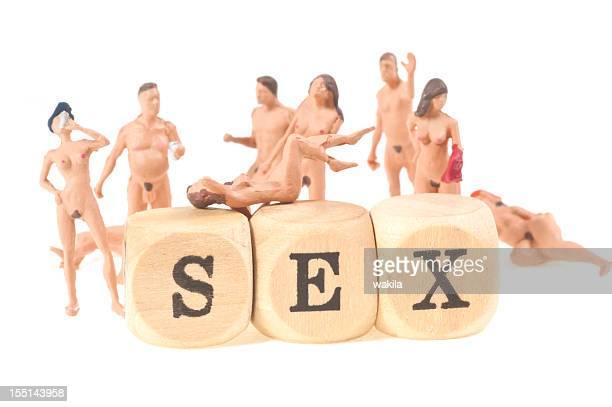 sex palavra com pessoas figurinos nuas em fundo branco abstrato