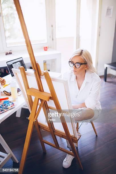 Sexy artiste Jean déchiré et blanc grande chemise