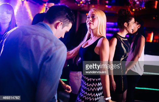 Club nocturno rubia golondrina