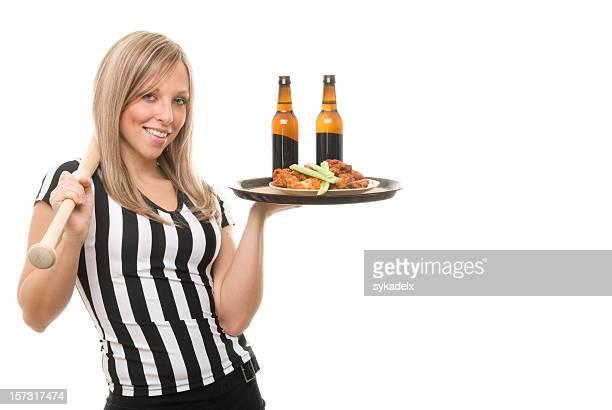 Sexy árbitro Empregada de Mesa segurando o Bastão