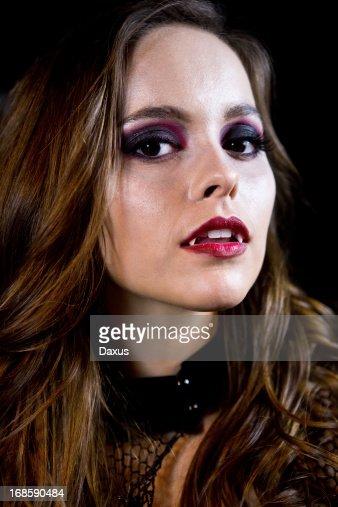 Free Sexy Vampire Women Pictures