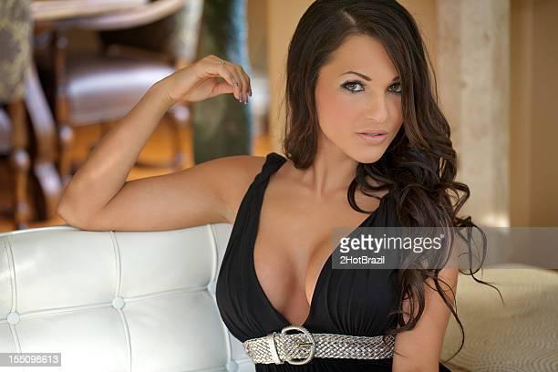 Sexy Frau Porträt mit Low Kleid