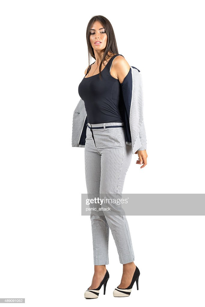 Vestimenta formal mujer joven