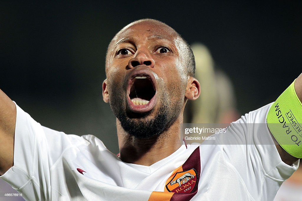 <a gi-track='captionPersonalityLinkClicked' href=/galleries/search?phrase=Seydou+Keita&family=editorial&specificpeople=709847 ng-click='$event.stopPropagation()'>Seydou Keita</a> of AS Roma celebrates after scoring a goal during the UEFA Europa League Round of 16 match between ACF Fiorentina and AS Roma on March 12, 2015 in Florence, Italy.