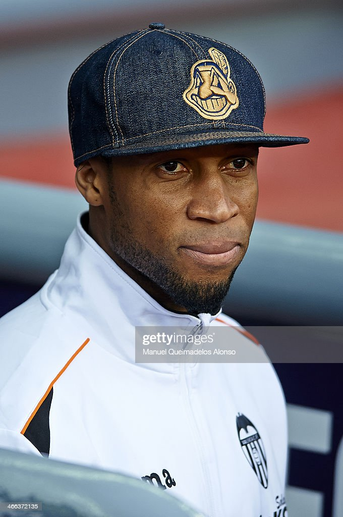 <a gi-track='captionPersonalityLinkClicked' href=/galleries/search?phrase=Seydou+Keita&family=editorial&specificpeople=709847 ng-click='$event.stopPropagation()'>Seydou Keita</a> of Valencia CF looks on prior to the start the La Liga match between FC Barcelona and Valencia CF at Camp Nou on February 1, 2014 in Barcelona, Spain.