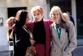 Shabana Azmi Shirley MacLaine and Twiggy attend a promotional shoot for the film 'Madame Sousatzka' directed by John Schlesinger in 1988 ca in London...