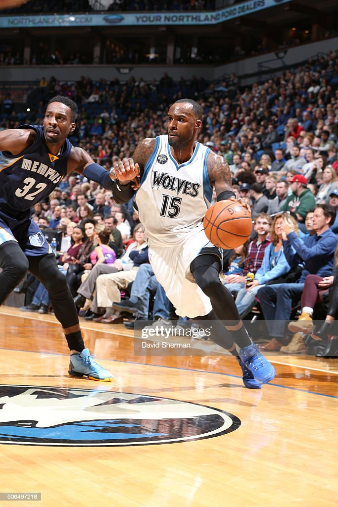 <a gi-track='captionPersonalityLinkClicked' href=/galleries/search?phrase=Shabazz+Muhammad&family=editorial&specificpeople=7447677 ng-click='$event.stopPropagation()'>Shabazz Muhammad</a> #15 of the Minnesota Timberwolves drives against <a gi-track='captionPersonalityLinkClicked' href=/galleries/search?phrase=Jeff+Green+-+Basket&family=editorial&specificpeople=4218745 ng-click='$event.stopPropagation()'>Jeff Green</a> #32 of the Memphis Grizzlies on January 23, 2016 at Target Center in Minneapolis, Minnesota.
