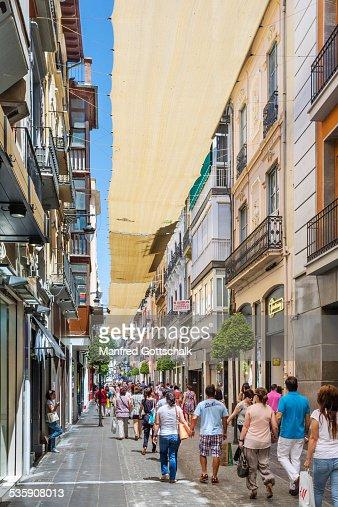 shaded shopping Granada : Foto de stock