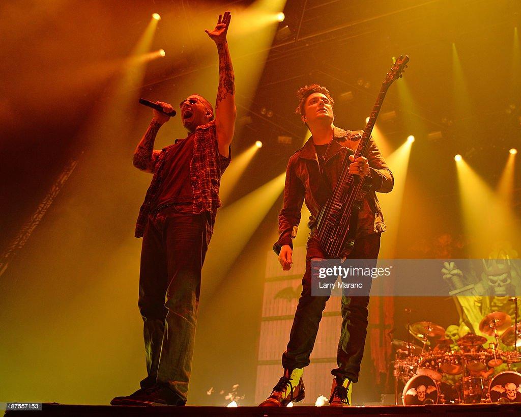 Avenged Sevenfold Perform At Hard Rock Live!