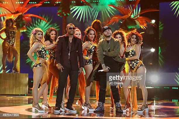 Shaggy and Farruko perform onstage during Telemundo's Latin American Music Awards 2015 at Dolby Theatre on October 8 2015 in Hollywood California